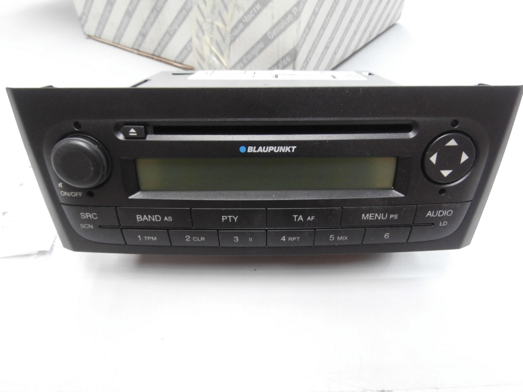 car radio blaupunkt 735410726 for fiat grande punto ebay. Black Bedroom Furniture Sets. Home Design Ideas