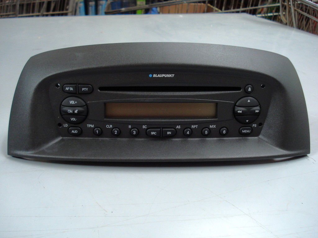 735416230 fiat grande punto blaupunkt autoradio avec cd mp3 ebay. Black Bedroom Furniture Sets. Home Design Ideas